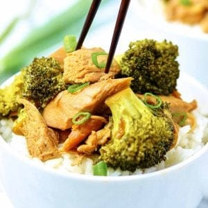Forget take out and have this Crockpot Chicken and Broccoli instead! I love recipes like this, because it actually tastes better than take-out, you can schedule it to be ready exactly when you want it, and *bonus* it's healthier! showmetheyummy.com #crockpot #chicken #broccoli