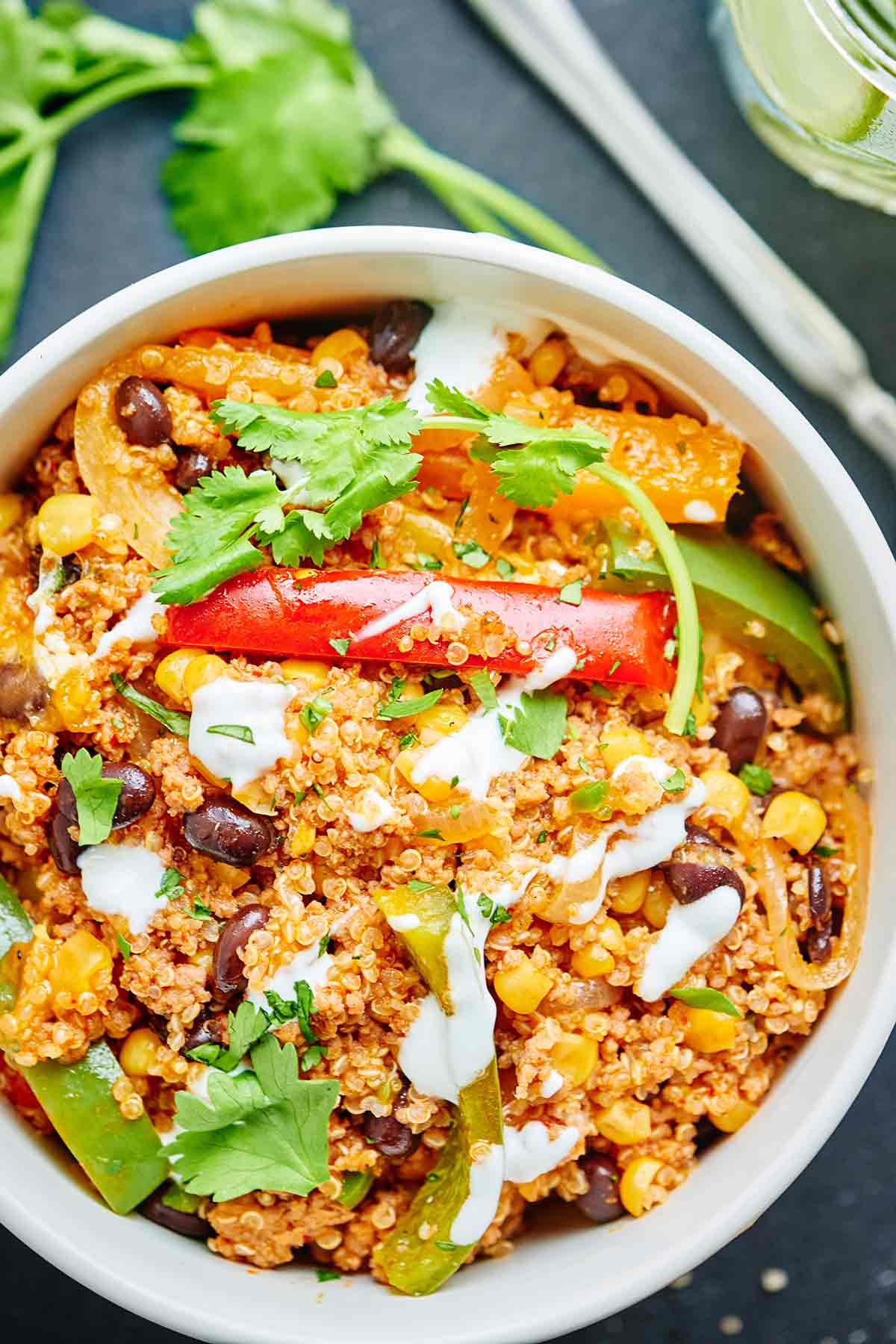 This Healthy Mexican Casserole is full of good for you ingredients like ground turkey, quinoa, black beans & bell peppers! Healthy Mexican food? Yes please! showmetheyummy.com #mexican #healthy #casserole #quinoa #glutenfree