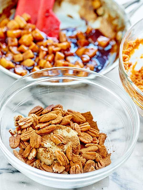 pecans and spices in bowl