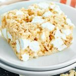 Only four ingredients, ten minutes, and one pot to make the BEST Rice Krispie Treats Recipe! This easy dessert is a sure crowd pleaser! showmetheyummy.com #ricekrispietreats #dessert
