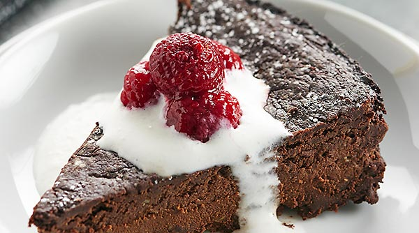 This Vegan Flourless Chocolate Cake Recipe Is Easy To Make Gluten Free