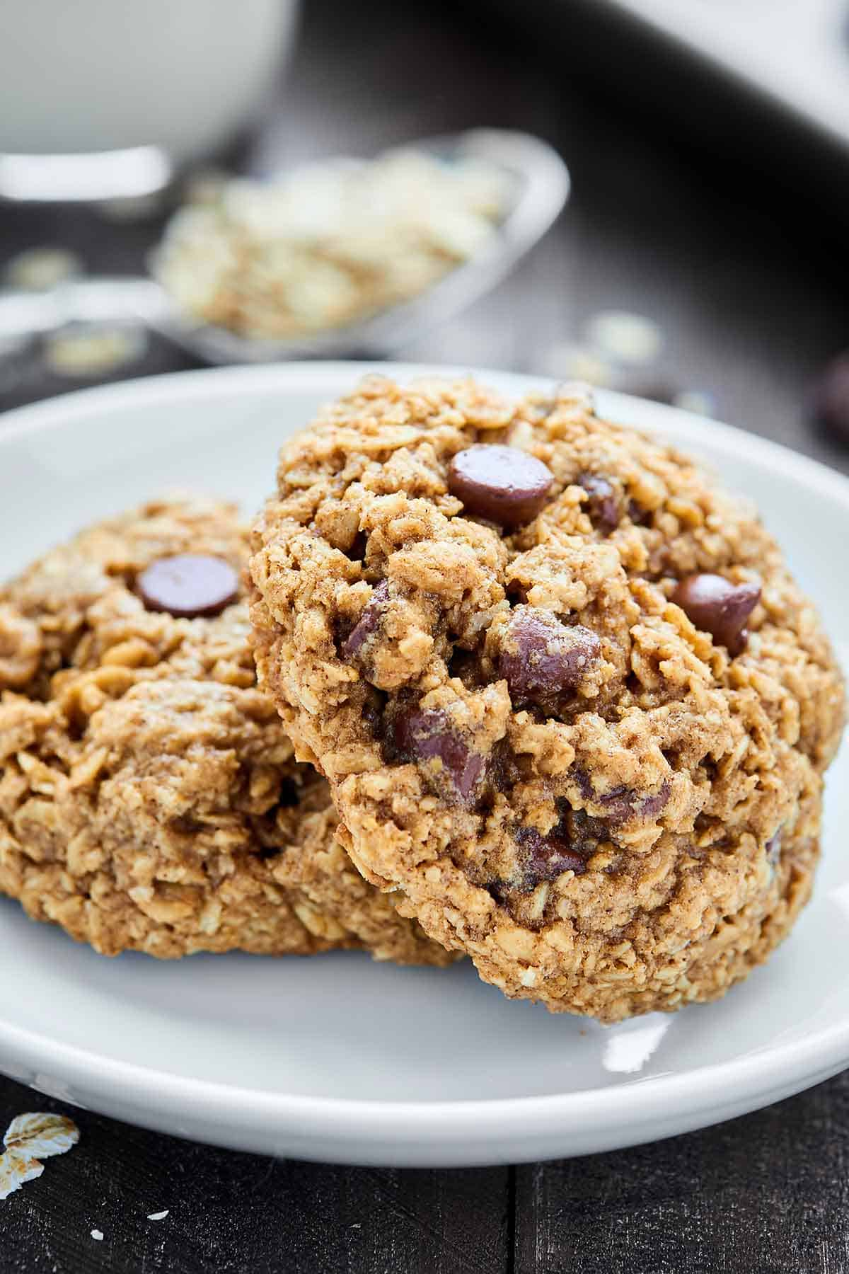 Oatmeal Chocolate Chip Cookies Recipe Chewy Easy