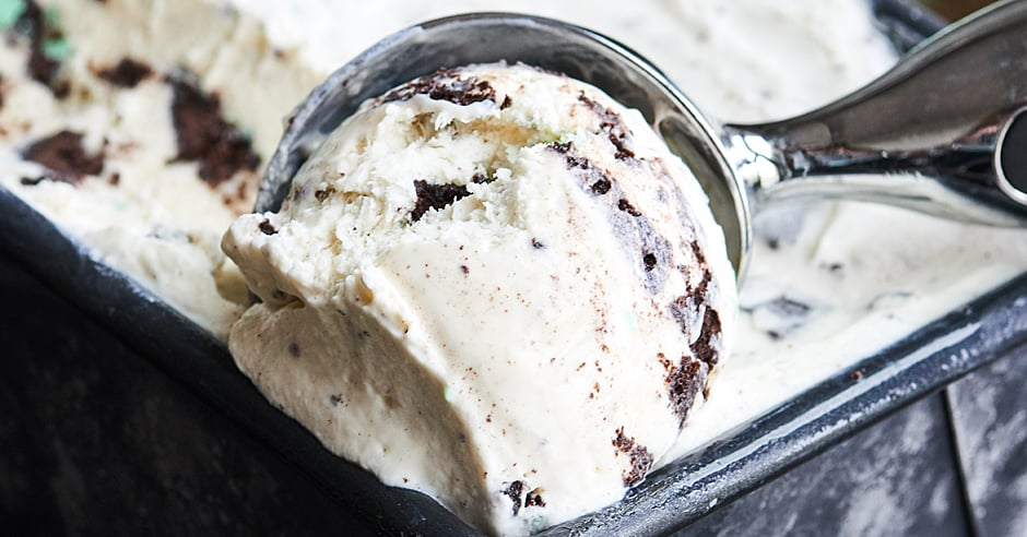 No Churn Mint Oreo Ice Cream Recipe - No Ice Cream Machine