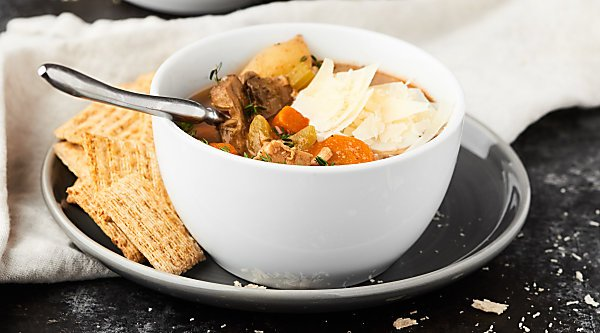 This Healthy Turkey Stew Recipe is full of lean turkey, loads of veggies, and is made in your slow cooker! An easy, healthy, hearty meal for chilly fall days! showmetheyummy.com Recipe made in partnership w/ @jennieorecipes #jennieo #turkeystew