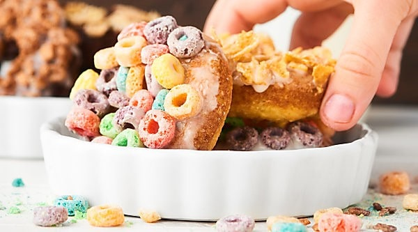 #ad These Baked Milk and Cereal Donuts are simple to make and simply FUN to eat! Your choice of cake mix + your choice of cereal make these donuts versatile and delicious! showmetheyummy.com Made in partnership w/ @lactaid #DairyEnvy