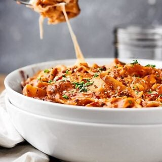 One Pot Lasagna. All your favorite lasagna flavors: Italian sausage, spices, tomatoes, red wine, and cheese, but made quicker, easier, and less messy in ONE pot! showmetheyummy.com