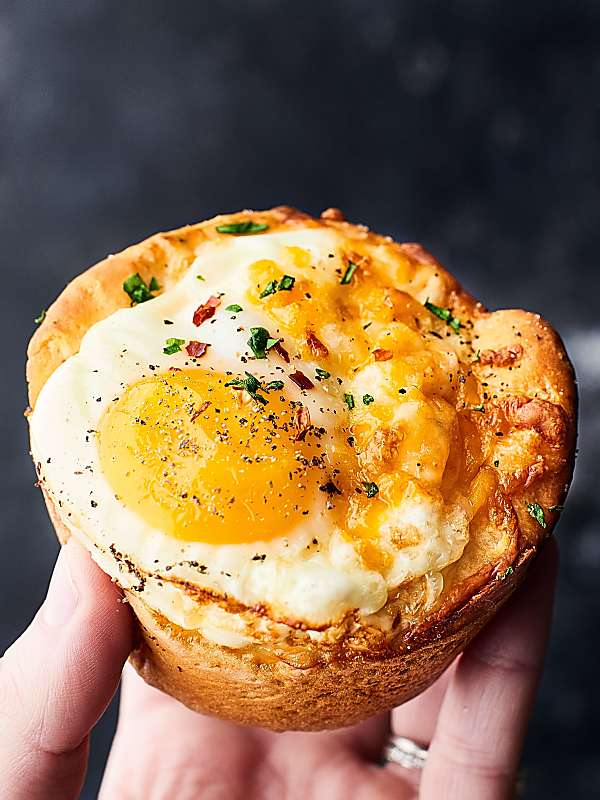 #ad This Sausage Egg and Cheese Biscuit Cups Recipe only requires FOUR ingredients: biscuits, sausage, eggs, and cheese! Perfect for a lazy weekend brunch or an ultra quick and easy weeknight brinner! showmetheyummy.com