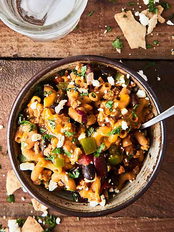 #ad This Healthy Chicken Chili Mac is full of ground chicken, veggies, spices, beans, pasta and cheese! I love this healthy twist on a classic! showmetheyummy.com Made in partnership w/ @USAPulses @PulseCanada