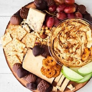 #ad This Sweet and Salty Snack Board is perfect for entertaining! As easy way to impress your guests! Full of chocolate, cheeses, fruit, crackers, and more! showmetheyummy.com Made in partnership w/ @godiva #GodivaMasterpieces