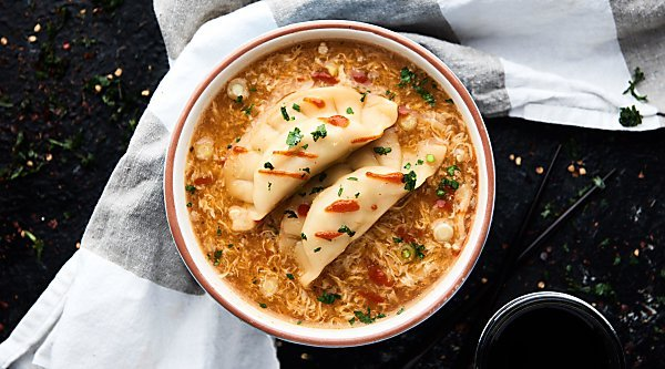 This Egg Drop Wonton Soup is a twist on three of my FAVE Asian soups: hot and sour, egg drop, and wonton soup! Ready in about 15 minutes. Healthy and can be vegetarian!showmetheyummy.com #soup #healthy