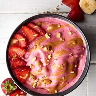 Peanut Butter and Jelly Smoothie Bowls Recipe
