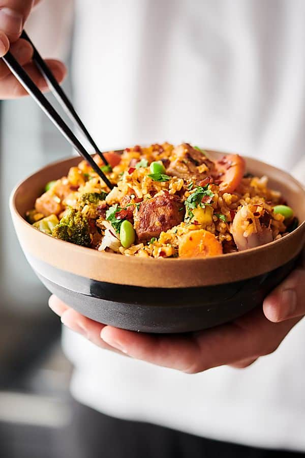 {New!} #ad This Pork Fried Rice Recipes comes together in 30 minutes or less and is loaded with bacon marinated fresh pork, frozen veggies, eggs, rice, and a yummy sauce: garlic, soy sauce, seasoned rice vinegar, hoisin, and chili garlic sauce! showmetheyummy.com Made in partnership w/ @smithfieldfoods #RealFlavorRealFast #friedrice #pork
