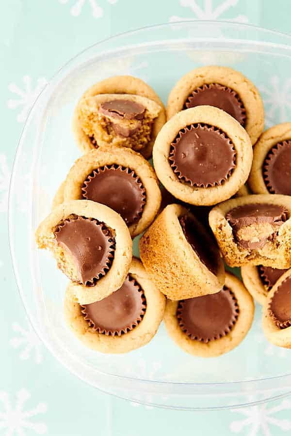 Tupperware of peanut butter cup cookies