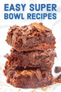 Easy Super Bowl Recipes 2019. Everything from snacks (like homemade pretzel bites), to dips (pizza dip anyone?), soups (bring on the beer cheese soup), chili, main dishes (mac and cheese for the win), and sweets (gimme all the brownies)! showmetheyummy.com #superbowl #football #recipe