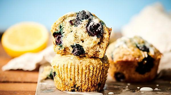 vegan blueberry muffins horizontal
