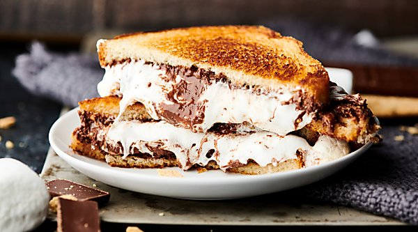 S'Mores Sandwich horizontal