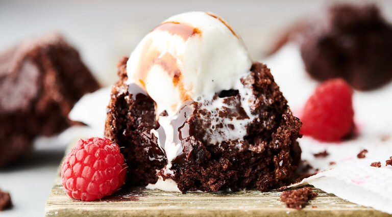 cake mix chocolate lava cake horizontal
