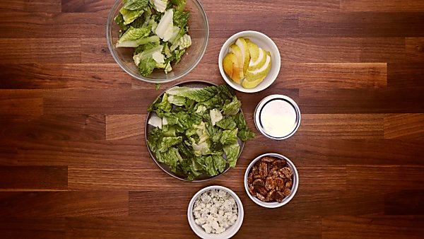 Pear blue cheese salad ingredients