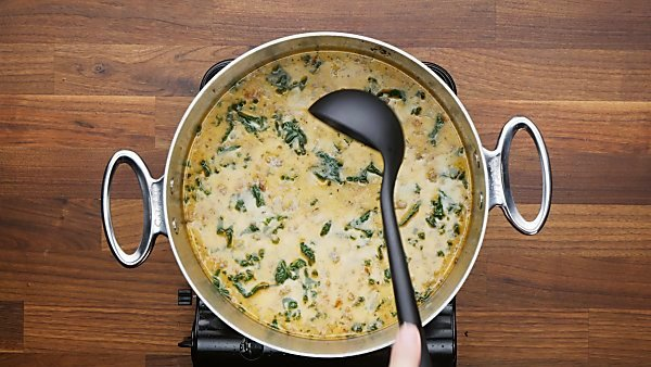 finished zuppa toscana in stockpot