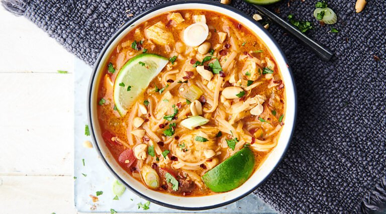 Coconut-Curry-Chicken-Noodle-Soup-Show-Me-the-Yummy-Google-Thumb-Retina-1-opt.jpg