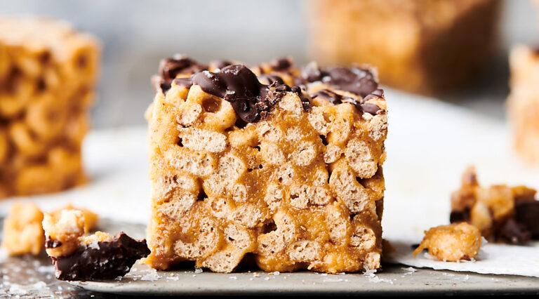 healthy peanut butter honey cheerio bar on cookie sheet