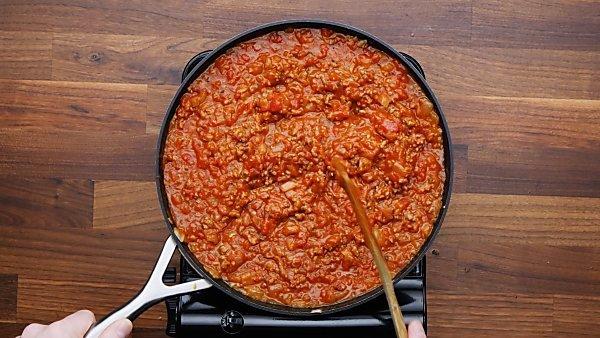 sauce added to italian sausage